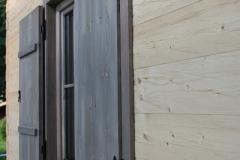 fereastra-cu-oblon-lemn-casa-bavaria-detaliu