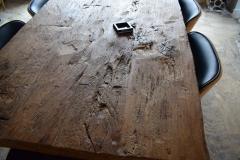 masa-lemn-vechi-bucuresti