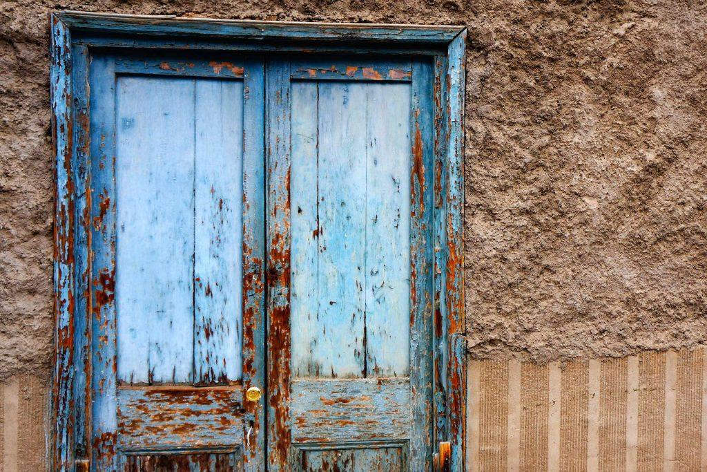 usa-intrare-lemn veche