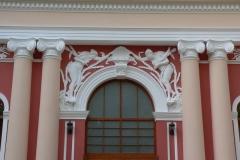 detaliu-usa-intrare-lemn-gradina-romei-satu-mare