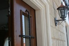 usa-intrare-lemn-stejar-fier-forjat-detaliu