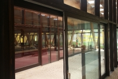 vedere-interioara-perete-cortina-lemn-aluminiu-hebe-schiebe-18