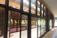 vedere-interioara-perete-cortina-lemn-aluminiu-hebe-schiebe-19