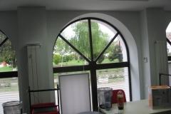 vitraina-bolta-lemn-stratificat
